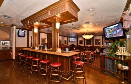 Best Western Airport Inn bar