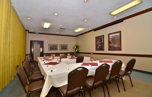 Best Western Airport Inn meeting space