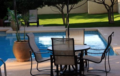 Crowne Plaza PHX Airport poolside