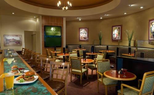 Doubletree Guest Suites Phoenix  free breakfast