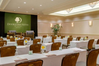 Doubletree Guest Suites Phoenix meetings