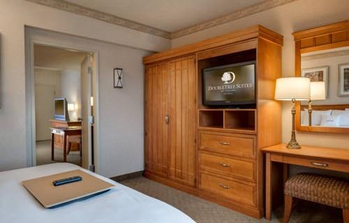 Doubletree Guest Suites Phoenix suite