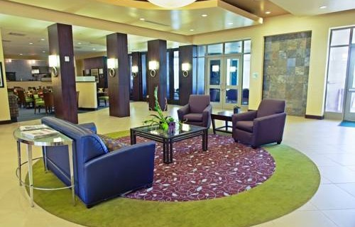 Holiday Inn Phoenix Airport lobby