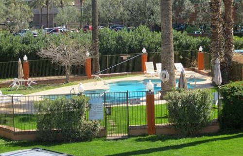 Howard Johnson Airport pool