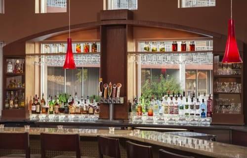 Sheraton Phoenix Airport Tempe bar