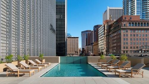 Westin Phoenix Downtown pool